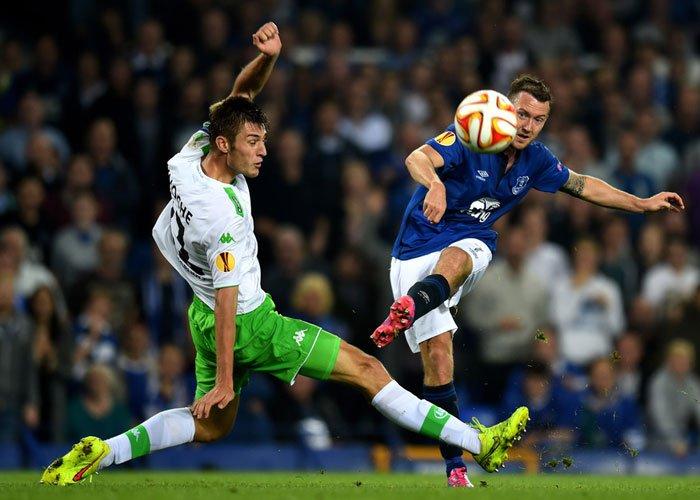Demi 32 Besar, Everton Bakal Tetap Gahar